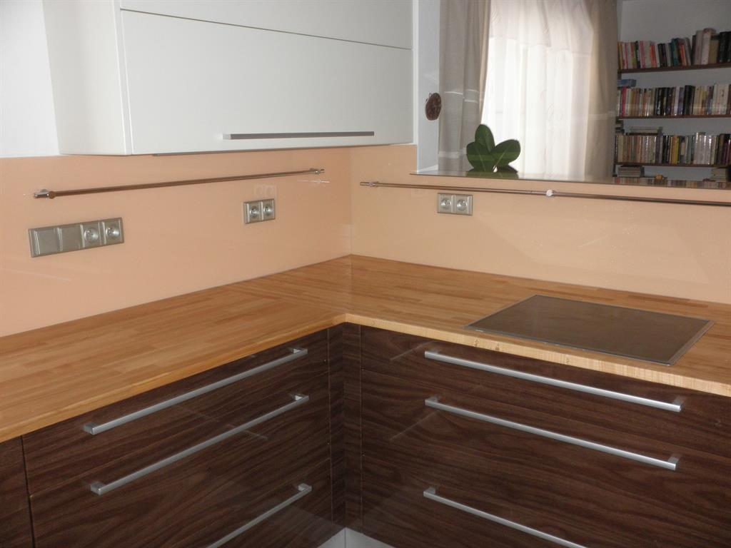 Obklady za kuchy u0148ské linky